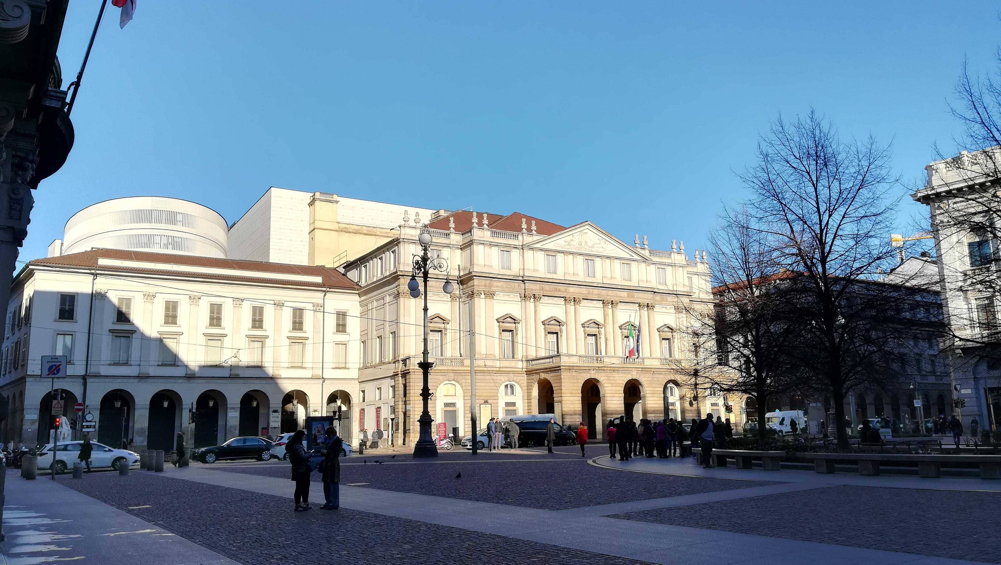 Piazza della Scala, Teatro alla Scala, Milano